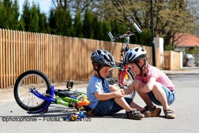 ClickVers-Unfallversicherung-Kinder-Vom-Fahrrad-gefallen